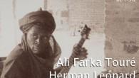 Bu Sayımızın İçeriği Stereo Mecmuasının 26. sayısıyla yeniden karşınızdayız. Bu sayımızın kapak konusu Ali Farka Touré. Afrika'nın müzikal olarak en zengin ülkelerinden biri olan Mali'den tüm dünyaya seslenmiş bir çiftçinin hayatını Aydın Eroğlu anlatıyor. Ona çiftçi diyoruz çünkü Ali Farka Touré eşsiz yeteneğine, tüm dünyada en çok tanınan Afrikalı müzisyen […]