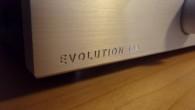 Creek firmasının Evolution serisine ayrıntılı inceleme sürecimize devam ediyoruz. Bu yazımızda konuğumuz Creek firmasının en küçük entegre amplisi Evolution 50A. Önceki aylarda Evolution serisinden CD çalar artı DAC çözümü Evolution 50CD ve bu amplinin abisi Evolution 100A'ya göz atmıştık. Evolution 50A tasarım çizgileri olarak Evolution serisinin karakteristik çizgilerine sahip. Sistemlerini […]