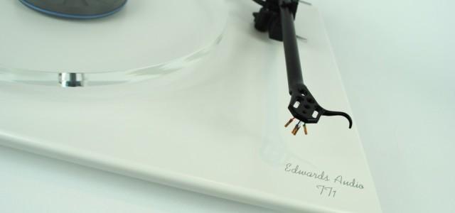Degerli Müzikseverler ve Hi-Fi tutkunları, Edwards Audio TT-1SE ve TT-2SE model pikaplar, MM-MC phono pre amplifikatörler ve analog pikap aksesuarları ve kablolar stoklarımıza girmistir. Daha fazla bilgi için aşagıdaki linki gezebilirsiniz. http://www.talkelectronics.com/turntables/edwards-audio-tt2-turntable/ Saygılarımızla.. Murat Pancaroglu Sound Engineer-UK MURPAN – Audio Laboratories Tunalı Hilmi Caddesi No: 67-6 Kavaklıdere Ankara – TURKEY […]