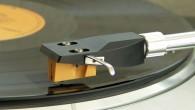 Bundan aylar önce duymaya başladığımız High Definition Vinyl yani yüksek çözünürlüklü plak konusu gitgide ciddiyet kazanıyor. İlk ortaya çıktığında %30 daha fazla kapasite, %30 daha fazla ses şiddeti ve var olan plaklardan tam iki kat daha fazla çözünürlük sağlayacağı iddiası ile dikkatleri çekti. Tüm bu gelişim süreci Rebeat Digital isimli […]
