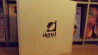 Stereo Mecmuası'nda ilk kez konuk ettiğimiz bir marka olan Signal Projects'in Alpha serisi hoparlör kablosu ve Lynx serisi elektrik kablosuna bir bakış atacağız. Açık konuşmak gerekirse ben daha önce markanın herhangi bir ürününü denemediğim için benim için de ilginç bir deneyim olacak. İlk önce firmayı yakından tanıyalım. Signal Projects'in ortaya […]