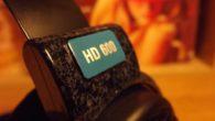 Sennheiser firmasının uzun yıllardır üretimine devam edilen ve meraklıların beğenisini kazanmaya devam edenHD 600 modeline bir bakış atacağız. HD 600'ler aslına bakarsanız firmanın ciddi anlamda yükselişini sağlayan HD-580 modelinin devamı niteliğinde üretilmeye başlandı. 1995 yılında HD 580 ilk ortaya çıktığında o dönemin kulaklıkları arasından sıyrılmayı başarmış ve bazı problemlerine rağmen […]