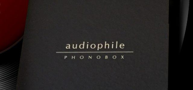 Analog meraklılarından, analog meraklılarına! Makul fiyata satılan bir pikap katının adaptör yerine ciddi bir güç katına sahip olmasına pek alışkın değilsinizdir. İç kablolamasına özen gösterilip gösterilmediği konusunda da pek emin olamazsınız. Peki Audiophile Phono Box'un tüm iç kablolamasının saf gümüş kablolar kullanılarak yapıldığını söylersek eminim ki şaşırırsınız. Hatta kabloların lehimlemesi […]